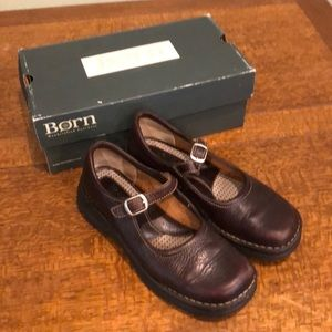 Born Delancey Briar leather Mary Janes. Size 8.5.